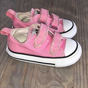 Girls Pink Converse All Stars w Velcro Straps!